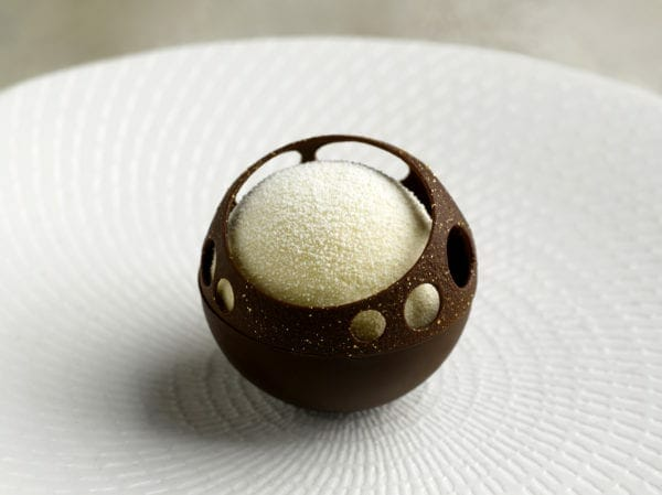 Saint Pierre_Chocolate_Passionfruit_credit Edmond Ho