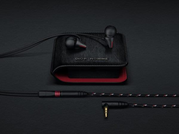 IE_800 Sennheiser X Dior Homme hearphones with Dior Homme case