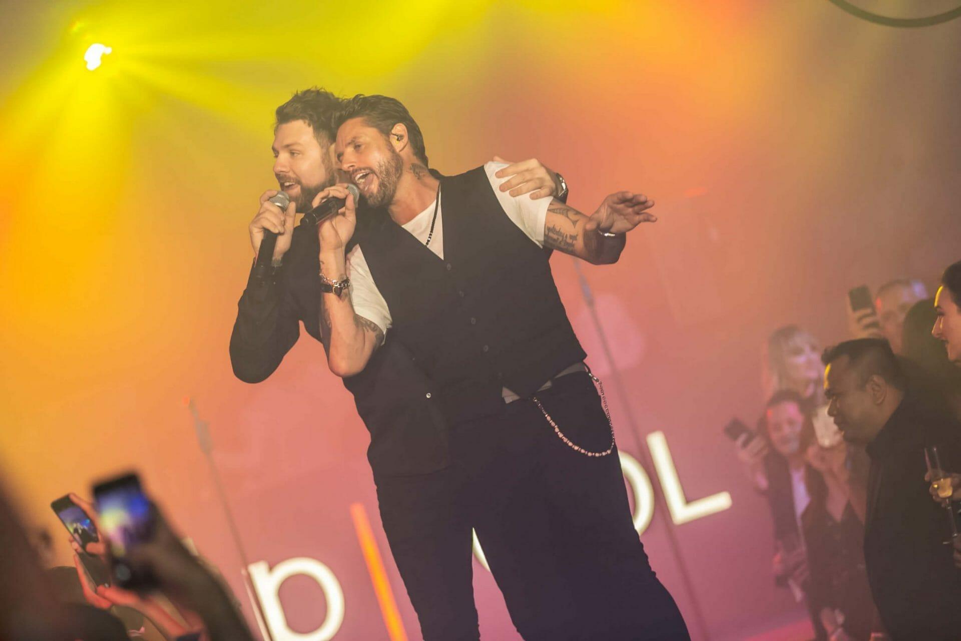 Brian McFadden & Keith Duffy_stage