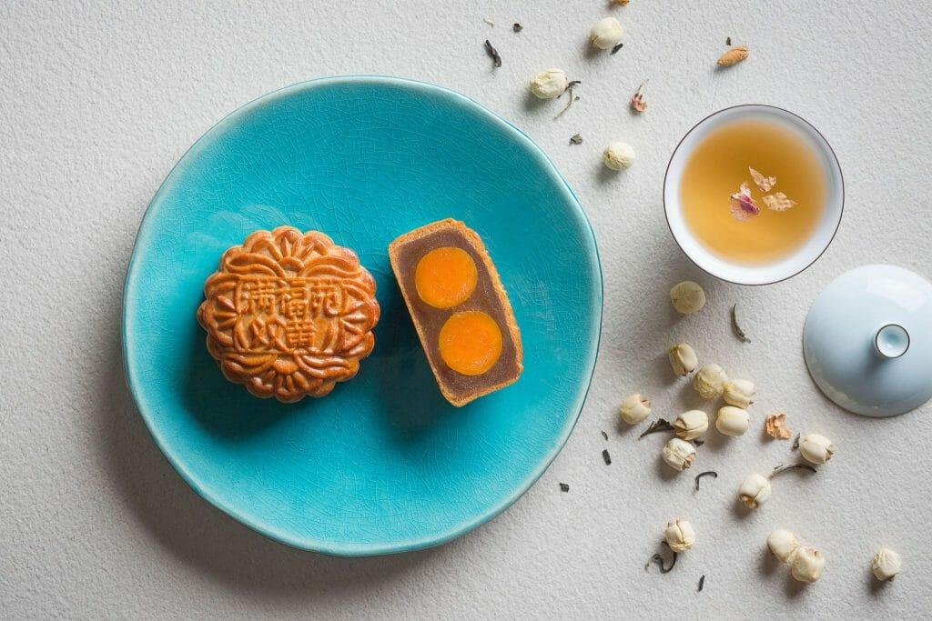 Top Restaurants with Unique Mooncakes this 2018