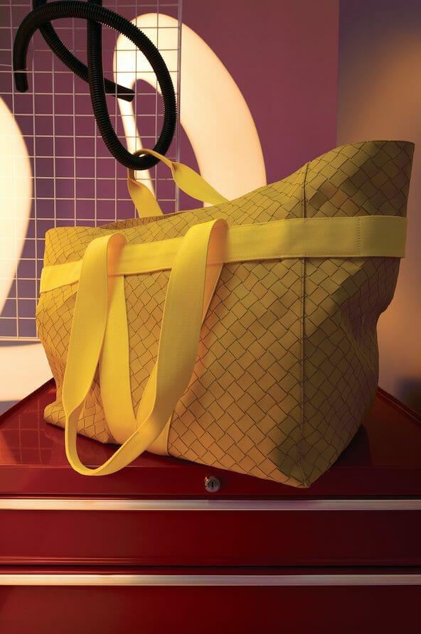 The Elegance Of the Bottega Veneta PreSpring 2021 Accessories